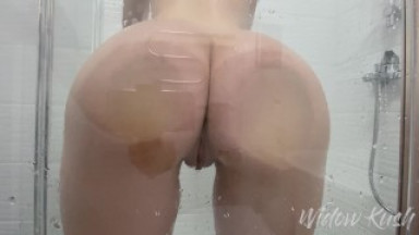 Fucked a beautiful girl's wet pussy in the shower - Widow Kush