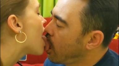 Tongue-Kiss Clip for Customer