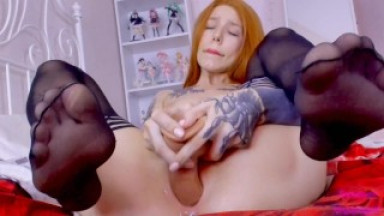 Hot redhead fuck big dick and squirt in your mouth pussy spreas closeup