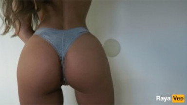 Model Shows Off Her Perfect Body And Wet Pussy