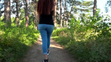 Beautiful girl doing blowjob in the park / PUBLIC BLOWJOB