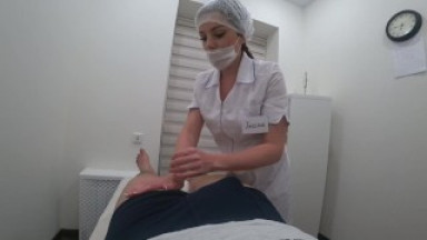 Foot massage ended with a hot blowjob from a beautiful masseuse