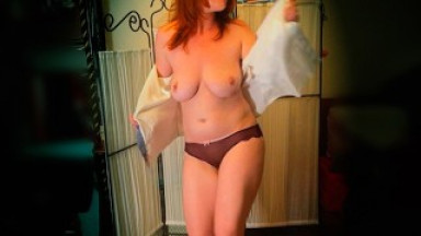 Friday Night Redhead Lonely At Home - My Body is Burning - Dance with Me!