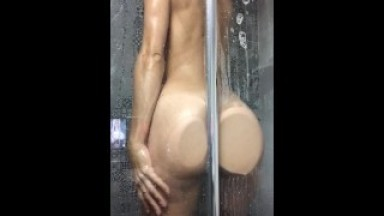 Be wise! Stay home and watch Lele O shower while roommates are next door!