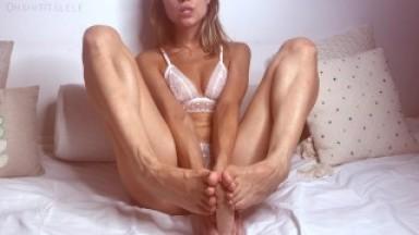 Jizz on my feet. Edge with Lele and splash her feet with cum. JOI Countdown